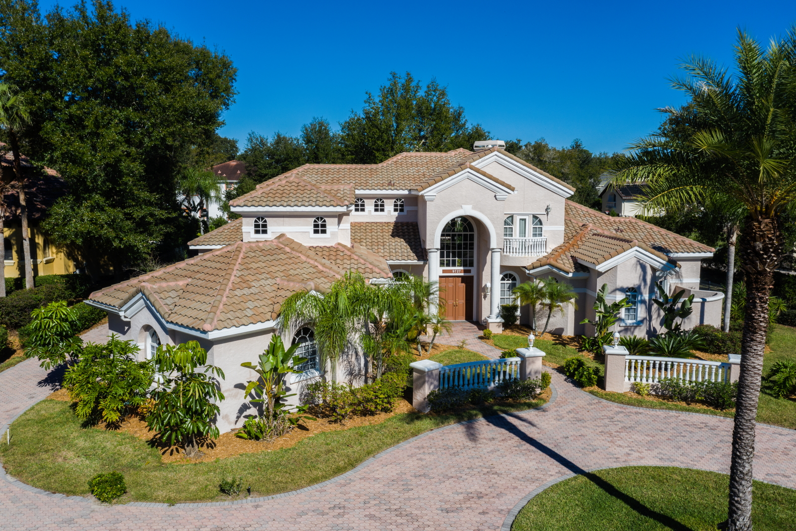 9727 English Pine Ct. Windermere, FL 34786